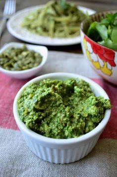 Vegan arugula pumpkin seed pesto makes for a delicious and healthy pasta dish!