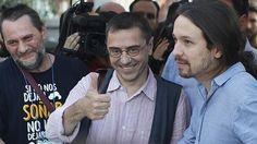 Juan Carlos Monedero, junto a Pablo Iglesias