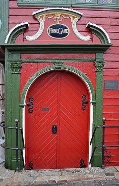 Finnegaarden - Bergen by Morten Hoff, via Flickr  Norway