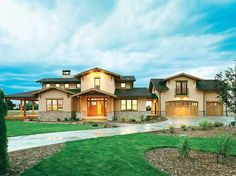 Craftsman House Plan with 3434 Square Feet and 4 Bedrooms from Dream Home Source | House Plan Code DHSW55116