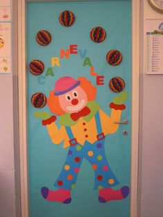 PORTA AULA CLOWN GIOCOLIERE Clown Crafts, Carnival Crafts, Carnival Themes, Circus Theme, Diy Crafts For School, Fun Crafts For Kids, Fall Crafts, Diy And Crafts, Paper Crafts