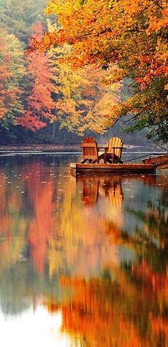 Há uma harmonia no outono, e um brilho no seu céu, que durante o verão não é ouvido ou visto, como se ele não poderia ser, como se não fosse!