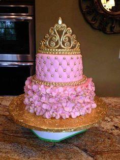 #Decoração #bolo #princesa #festa #coroa #rosa #dourado
