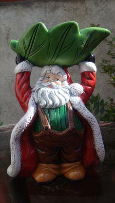 Caramelera o bombonera Adorno navideño Christmas Decorations, Christmas Ornaments, Holiday Decor, Vintage Christmas, Merry Christmas, Fairy Houses, Wood Carving, Cute Art, Garden Sculpture