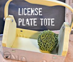 License Plate Garden Tool Box with flip down handle. www.homeroad.net