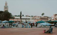 Marrakesz wjeden dzień. Medyna isłynny plac Dżamaa al-Fina. Street View