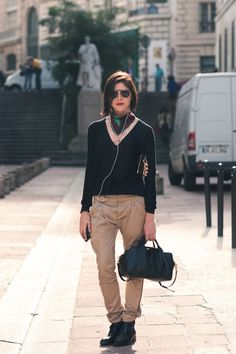 Those Balenciaga pants Emily Weiss Citizen Couture Pants me balenciaga trousers woman - Woman Trousers Sweater Outfits, Cute Outfits, Sweater Scarf, Street Style 2016, Vogue, Ralph Lauren, Cotton Pants, Trousers Women, Tailored Trousers