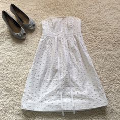 Lily Pulitzer Strapless Eyelet Lace Dress This beautiful dress is in excellent condition - no flaws! Shell and lining are 100% cotton. Bodice is boned. Dry clean only. Length 26 inches. Lilly Pulitzer Dresses