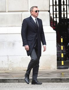 Daniel Craig shooting Spectre in London - 05/30/2015