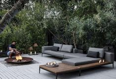 49 Stunning Envy Inducing Private Outdoor Spaces Awesome 49 Stunning Envy Induc… – Home Trends 2020 Outdoor Lounge, Outdoor Spaces, Outdoor Living, Outdoor Decor, Outdoor Benches, Outdoor Retreat, Outdoor Ideas, Sofa Area Externa, Used Outdoor Furniture