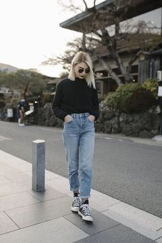 Jeans Pant For Girl, Mom Jeans Outfit, Girls Pants, Boyfriend Jeans Outfit, Mom Jeans Style, Casual Fall Outfits, Retro Outfits, Vintage Outfits, Plad Outfits