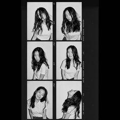 Studio Photography Poses, Portrait Photography Poses, Photography Poses Women, Film Photography, Creative Photography, Polaroid Frame, Kodak Film, Polaroid Pictures, Photocollage