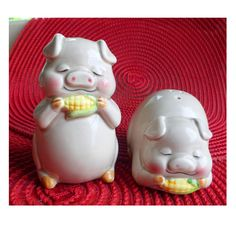 Pig Salt and Pepper Shakers Vintage Lefton by SammieSueVintage