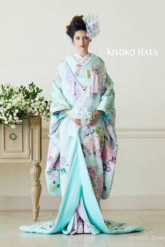 KIYOKO HATA(キヨコハタ) のウェディングドレス・ブライダル衣装一覧 4ページ目 Yukata Kimono, Kimono Outfit, Kimono Fashion, Traditional Japanese Kimono, Traditional Fashion, Traditional Dresses, Japanese Outfits, Japanese Fashion, Japanese Wedding Kimono