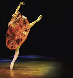 Maria Tallchief as the Firebird <3     This is my favorite fairytale among ballet and theater , i have yet to see this ballet and want too.
