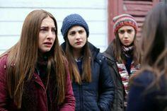 Turkish Actors, Best Shows Ever, Winter Hats, Crown, Flowers, Orphan, Girls, Turkey, Tv