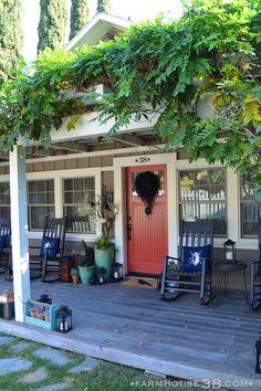 Halloween front porch at Farmhouse38.com