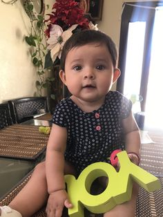 Cute Little Baby, Cute Baby Girl, Little Babies, Baby Love, Little Ones, Cute Babies, Cute Baby Pictures, Baby Photos, Baby Faces