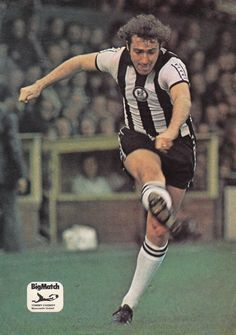Circa Newcastle United and Northern Ireland midfield ball player Tommy Cassidy. Newcastle United Football, Class Games, Soccer Stars, School Football, Northern Ireland, Premier League, Nostalgia, The Unit, Running