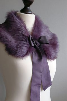 I had a Pink fur collar like this when I was young. I LOVED it. Wish I had this one!