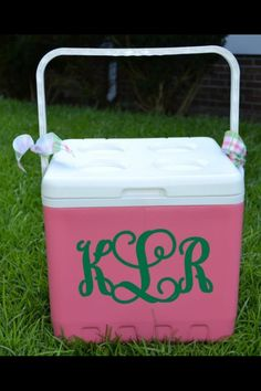Cute!  Monogrammed cooler. Put on my list to make! Monogram cooler and fishing shirt, just need J to let me monogram the boat! ;))