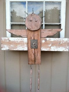 Items similar to Shabby chic wooden angel on Etsy Garden Crafts, Garden Projects, Wood Projects, Shutter Angel, Wooden Angel, Garden Angels, Angel Crafts, Angel Art, Old Wood