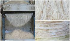 Stap 4 en de laatste stap van het produceren van een rice noodle is het snijden van de pannenkoek. Deze pannenkoek wordt in een machine gerold en komt er aan de andere kant gesneden uit. Op deze manier worden er in totaal per dag 500 kilo noodles gemaakt.