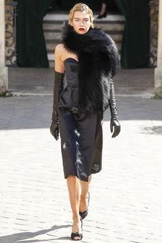 Ulyana Sergeenko Fall 2017 Couture Fashion Show - Stella Maxwell (OUI)