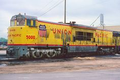 UP 5000 Kansas City: These were GE's answer to EMD's double diesels, but the GE units were failures which had many problems. They lasted little more than six years before being retired and scrapped. Union Pacific Train, Union Pacific Railroad, Train Car, Train Tracks, Railroad Pictures, Rail Transport, Railroad Photography, Electric Train, Train Pictures