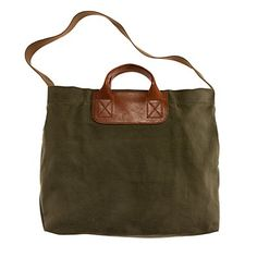 MADEWELL - the caravan mailbag. A modern spin on an old-school utilitarian style with chic leather handles (for when you're carrying a little) and a sturdy canvas strap (for when you're carrying a lot). Fall Handbags, Fashion Handbags, Fashion Bags, Women's Fashion, Leather Handle, Leather Bag, Green Leather, Canvas Leather, Leather Purses