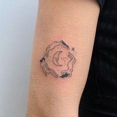 Dainty Tattoos, Pretty Tattoos, Small Tattoos, Time Tattoos, Body Art Tattoos, Tatoos, Tatouage Indie, Indie Tattoo, Hippie Tattoos