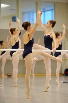 San Francisco Ballet School dancers choose their own academic study time.
