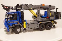 [MOC] Truck with excavator (based on Tatra 815 and UDS 114)