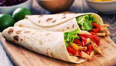 Wrap Rezept perfektes Essen für die Arbeit zuhause vorbereiten Hühnchen Paprika Salat Weizentortilla Tomaten lecker Essen