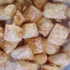 Sajtos kockák (Isteni finom, mint a bolti) | Marcsi Tóth receptje - Cookpad receptek Snack Recipes, Snacks, Chips, Food, Snack Mix Recipes, Appetizer Recipes, Appetizers, Potato Chip, Meals