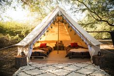 Six Reasons Why You Should Go Glamping for Your Next Vacation - http://freshome.com/go-glamping/