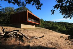 Minnesota-based firm Alchemy Architects has completed a home in California's Sonoma Valley, which comprises two separate modules that were almost entirely prefabricated before being brought to site.