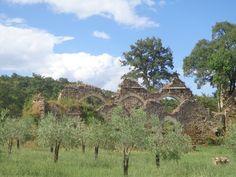 """""""posto segreto"""", ein verstecktes Weingut bei Montefollonico an den Ruinen einer Abtei"""