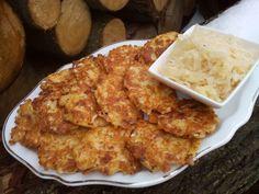Okapané zelí pokrájíme na kratší kousky, šunku nebo slaninu na drobno, sýr s česnekem nastrouháme na jemno. Vše dáme do mísy, přidáme vejce,... Cauliflower, Macaroni And Cheese, Cabbage, Appetizers, Food And Drink, Low Carb, Cooking Recipes, Lunch, Chicken