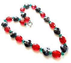 Außergewöhnliches Quarz-Collier mit Herz Breite ca. 20 mm Länge ca. 61 cm Federringverschluss Handgefertigtes Einzelstück   #JOY #Einzelstücke #Quarz #Collier #herz #handgefertigt #schmuck #quartz #Necklace #red #black #green #heart #handmade #handmadejewelry #jewelry #jewellery #unikat #unique #Geschenk #Geschenkidee #gift #Valentinstag #Muttertag #Geburtstag #Hochzeitstag #weihnachten #freudeschenken #syle #love #sehenswert #Liebe #Love #Lifestyle #onlineshop #fashion #schmuckliebe Bohemian Furniture, Best Mothers Day Gifts, Anniversary Gifts For Him, Green Quartz, Soft Hair, Beaded Necklace, Necklaces, Chain, Red