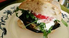 Burger vegetarisch Burger, Sandwiches, Cooking, Food, Kitchen, Essen, Meals, Paninis, Yemek