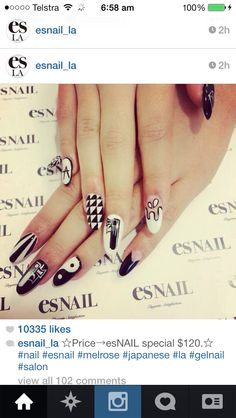 Oval shaped black and white nails Es Nails, Love Nails, Black And White Nail Art, White Nails, Kylie Jenner Nails, Nail Photos, Japanese Nail Art, Easy Nail Art, Cool Nail Designs