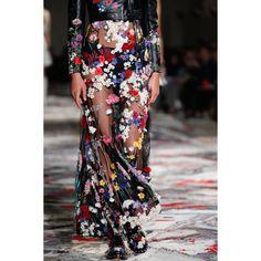 Alexander McQueen. #floral #colors #skirt #details #VogueRussia #readytowear #rtw #springsummer2017 #AlexanderMcQueen #VogueCollections
