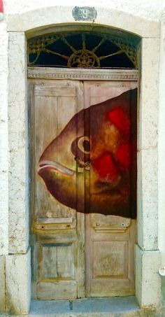 painted door - Sesimbra, Portugal