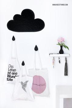 DIY Wolken Garderobe Cloud Wardrobe mit Tropfen Wandhaken