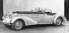Classic pre-war design - the exclusive Horch 855 Spezial Roadster.