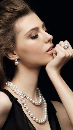 Dior, coordinado de perlas.