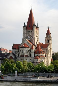 Francis of Assisi Church, Vienna, Austria jigsaw puzzle online with 77 pieces Beautiful Castles, Beautiful Buildings, Beautiful Places, Modern Buildings, Francis Of Assisi, St Francis, Places Around The World, Around The Worlds, Secret Gardens