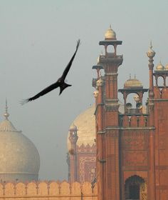 Flying over history ~ Lahore, India (Now in Pakistan) Pakistan Zindabad, Pakistan Travel, Mughal Architecture, Art And Architecture, Ancient Architecture, Amazing Architecture, Islamic World, Islamic Art, Nepal