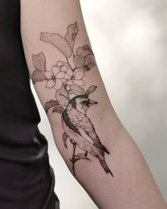 864 Likes, 6 Comments - Tania Vaiana R Tattoo, Professional Tattoo, Goldfinch, Irezumi, First Tattoo, Tattoo Artists, Tatting, Detail, Portugal